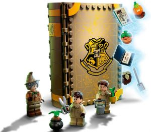 Lego 76384 Harry Potter Учёба в Хогвартсе: Урок травологии